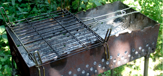 Emaillereparatur am Grill / Grill lackieren