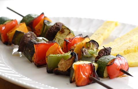Rezept für gegrillte Gemüsespieße
